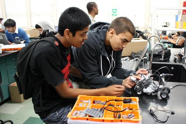 Kids work on Robot